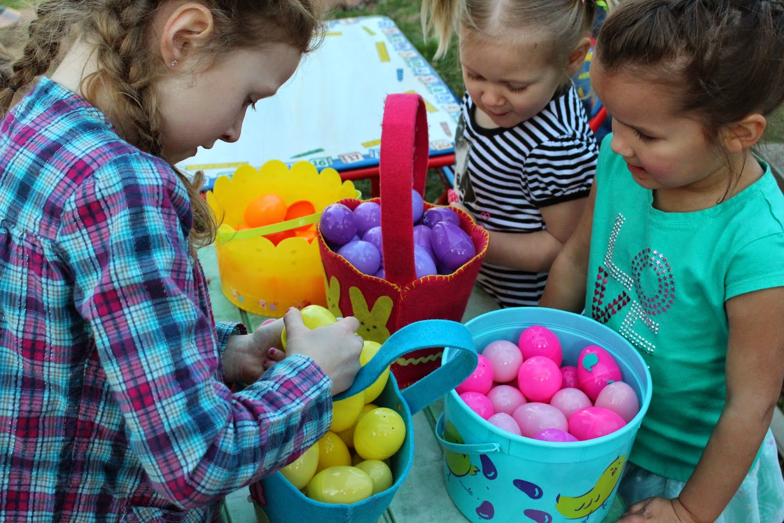 Easter Egg Hunting and Basket Pattern