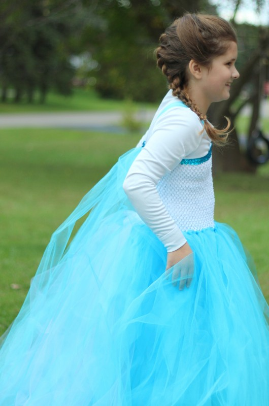 DIY ELSA DRESS SIDE4