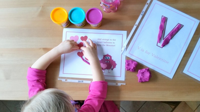 free printable playdough mats for valentines day - great for preschool