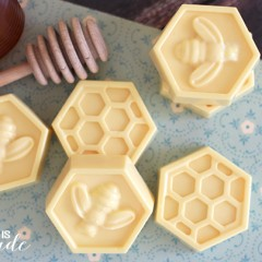 Easy-DIY-Milk-Honey-Soap