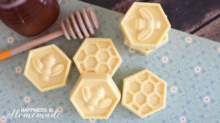 Easy-DIY-Milk-Honey-Soap