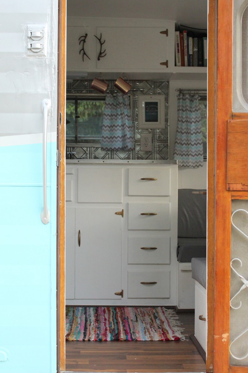 Gidget the Vintage Trailer: Come on In! 4