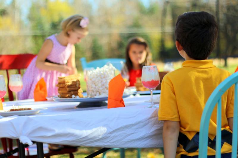 Charlie Brown Thanksgiving scene! Reenacted with kids, popcorn, pretzel sticks and jelly beans. #peanuts