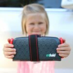 """Mifold: """"Grab and Go"""" Car Seat Review"""