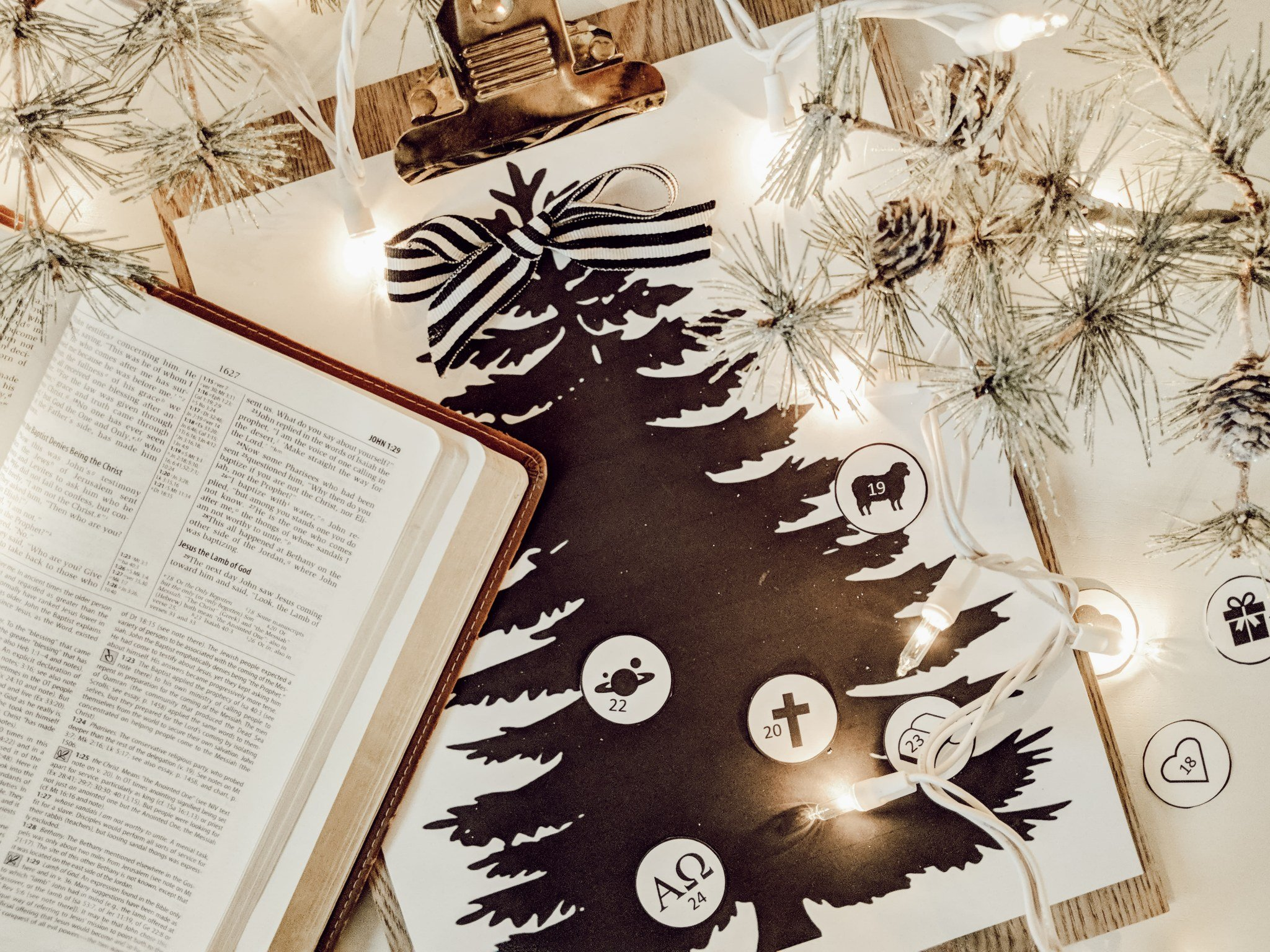 graphic about Printable Devotions titled Printable Arrival Calendar and Spouse and children Devotions for Xmas