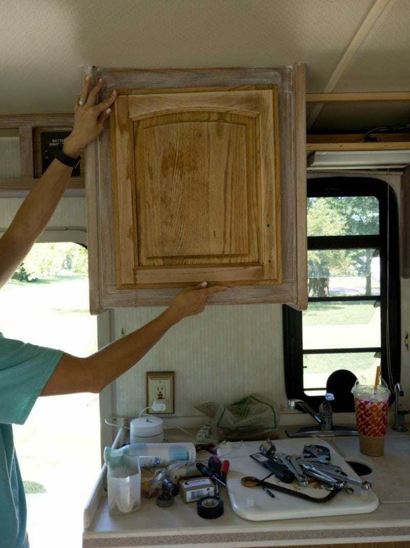 Diy Farmhouse Look Bleached And White Washed Oak Cabinets